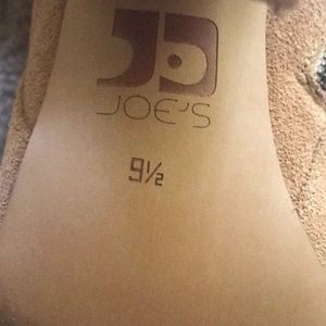 dd5a2e1b839 Joe s Jeans Shoes - 👢JOE S JEANS BROWN CELINA BOOTIES SIZE 9.5👢